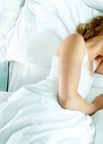 woman sleepng in bed